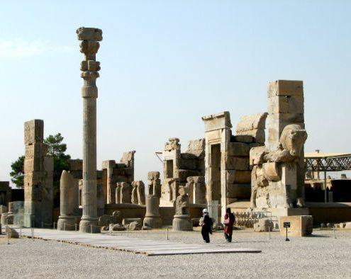 Entrance of 100-Column Palace