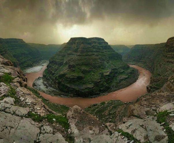 Khazine Valley,The Grand Canyon of Iran Screw Horseshoe Grand Canyon