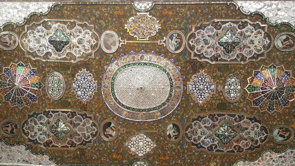 paintings-of-narenjestan-e-ghavam