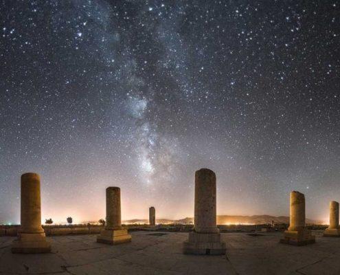 PrivatepalaceofCyrus-HD111-e1464513557679-495x400 Persepolis Shiraz
