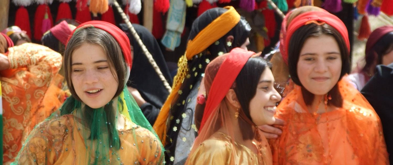 Qashqaii-Nomad-1500-1-1500x630 Dena Mountain   Iran Nomad Tour