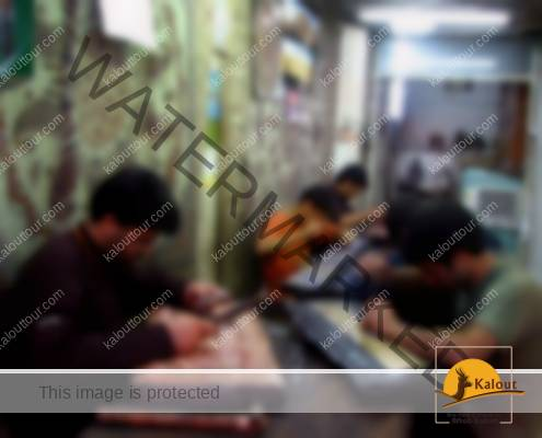 Iranian-handicraft-Esfahan-495x400 Why Visit Esfehan at the End of Your Trip to Iran Visit Iran Tile Working in Iran Iranian Architecture Handicrafts in Iran Bazaars in Iran (Persian Bazaars)