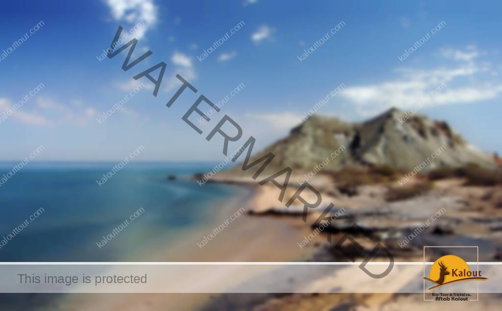 2476599906_48092d63d3_b-1 13 Reasons Why Everyone Needs to Visit This Island in Iran people Island in Iran Culture