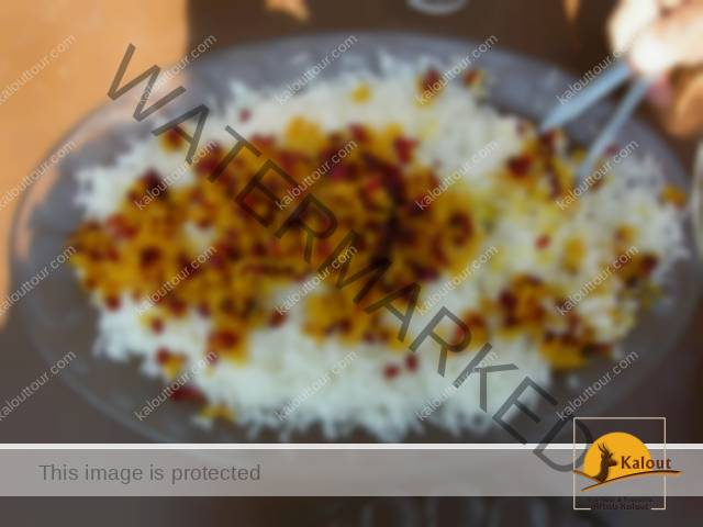 zereshk-polo-morgh-meine-wanderlustflickr 11 Dishes to Eat When You Are in Iran Iran Food